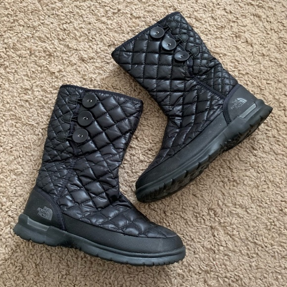 e31660d88 The North Face Quilted Winter Snow Boots in Black